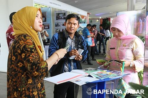 Panitia memberikan informasi pungutan pajak yang berada dibawah kewenangan Bapenda Provinsi Jawa Barat.