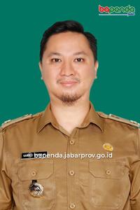 Karpati Wanda Hidayat, S.Sos